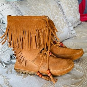 Minnetonka Moccasin Booties Leather Lt Brown 6.5